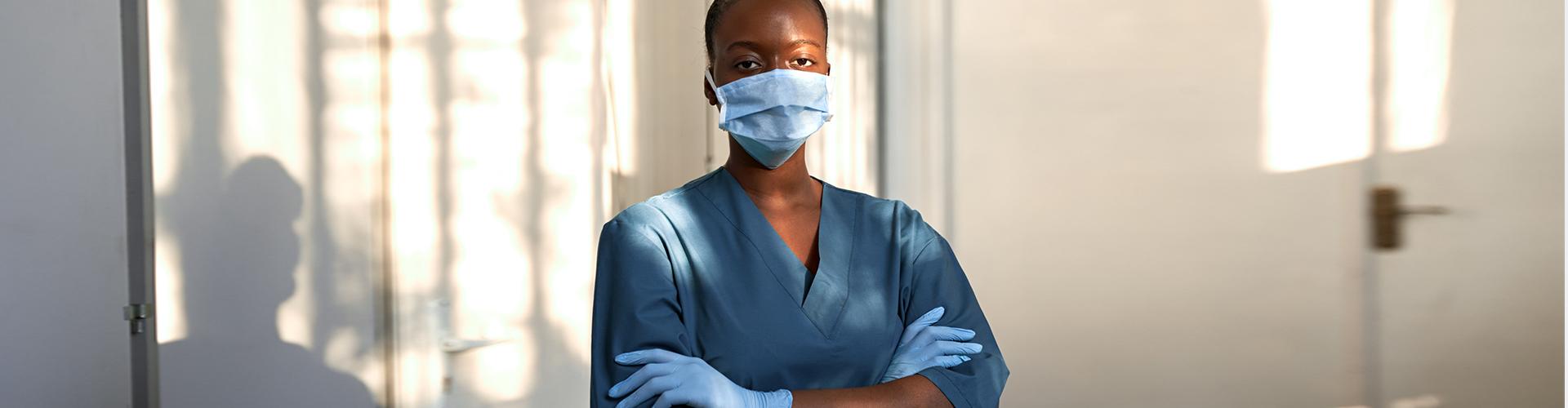 nurse wearing facemask